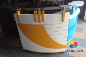 ban-ghe-nhua-composite-quan-bar-1