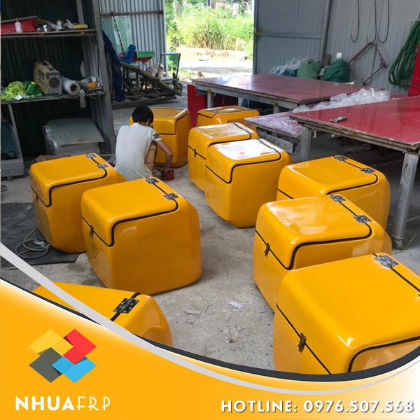 thung-cho-hang-composite-kich-thuoc-56x56x60-4